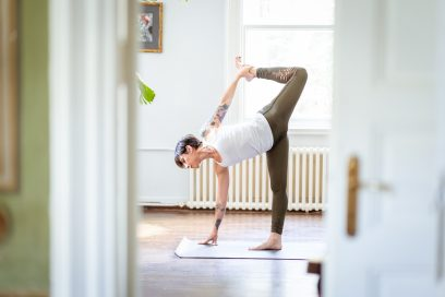 TIPS TO ESTABLISH A SUSTAINABLE HOME YOGA PRACTICE